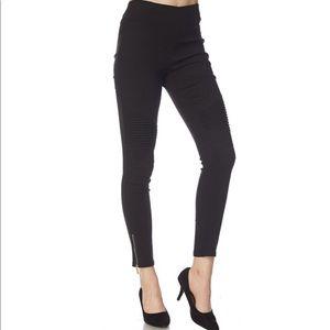 Pants - Black stretch moto jeggings